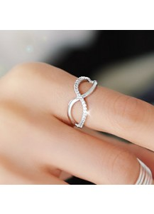 Infinity cubic ring