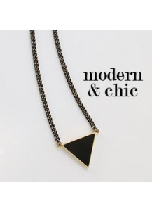 Black triangle long necklace
